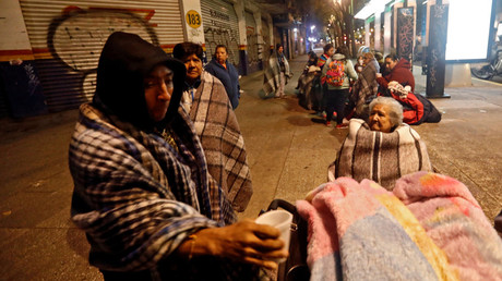 People gather on a street after an earthquake hit Mexico City, Mexico, September 8, 2017. © Edgard Garrido