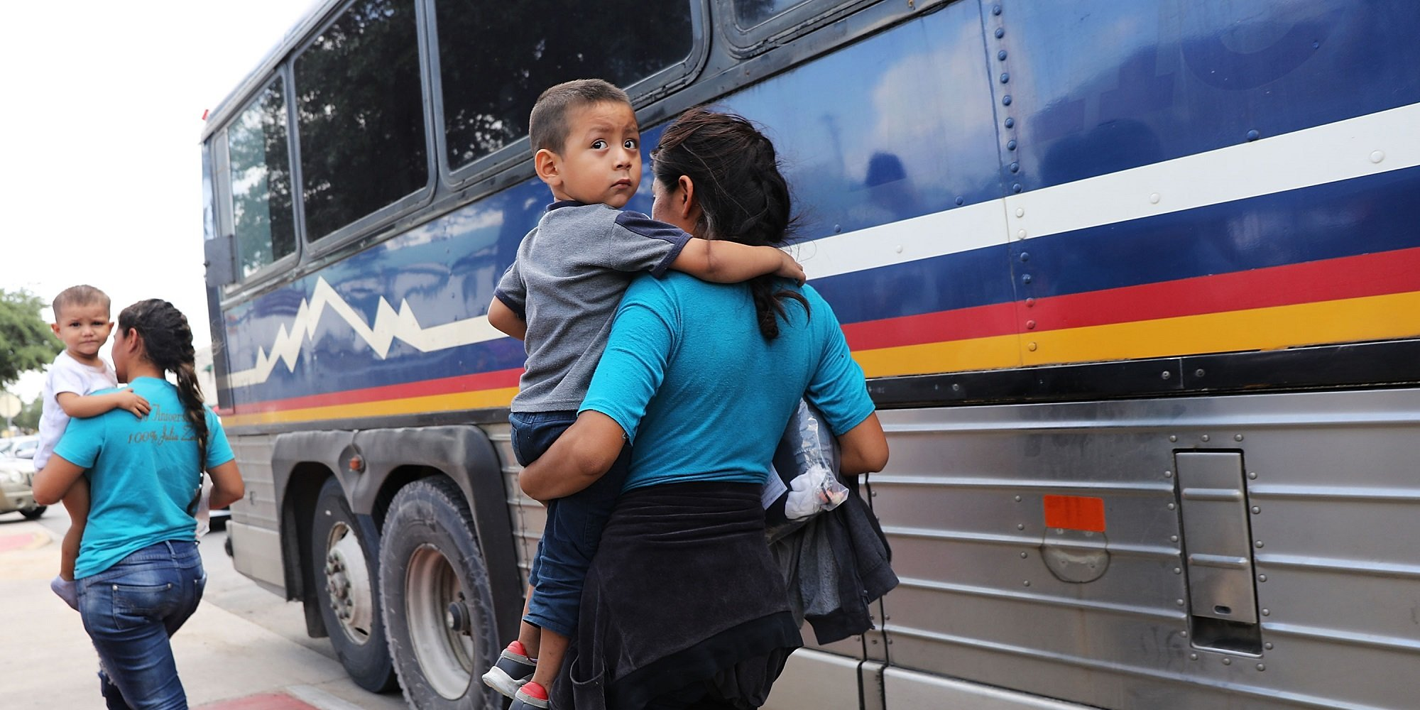 Migrant child and mother
